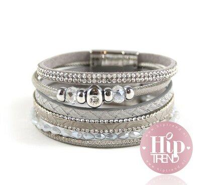 Licht grijze armbanden set